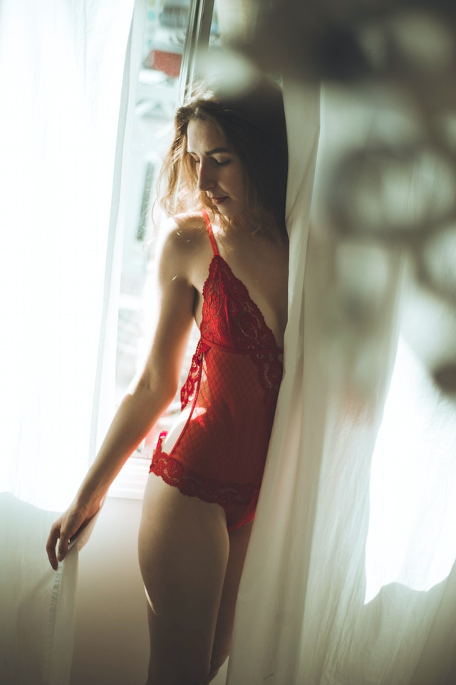 DEAR MEN HERE IS HOW TO BUY THE RIGHT LINGERIE ONLINE